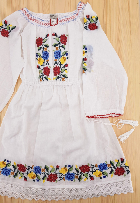 Rochie traditionala Fetita Ana 1