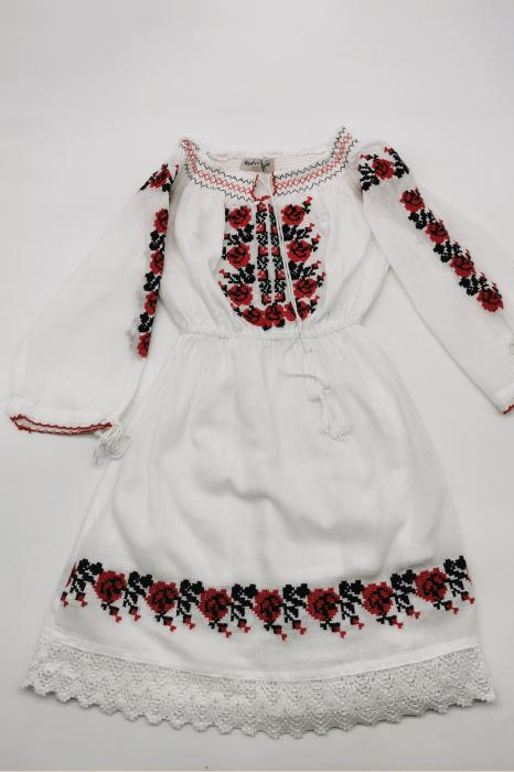 Rochie traditionala fetite Ilona 0