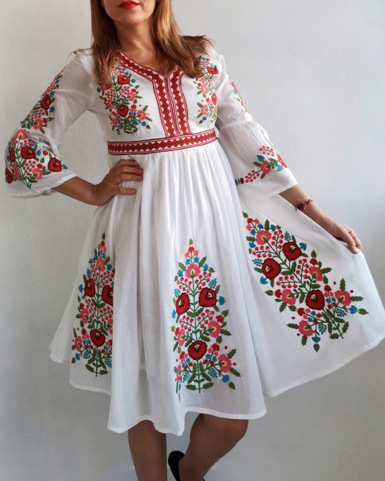 Rochie Traditionala Fiorela 3 3