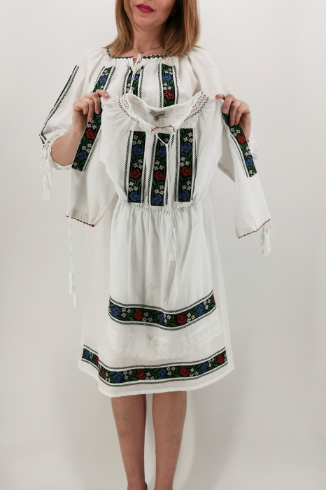 Rochie Traditionala Iasmina 4