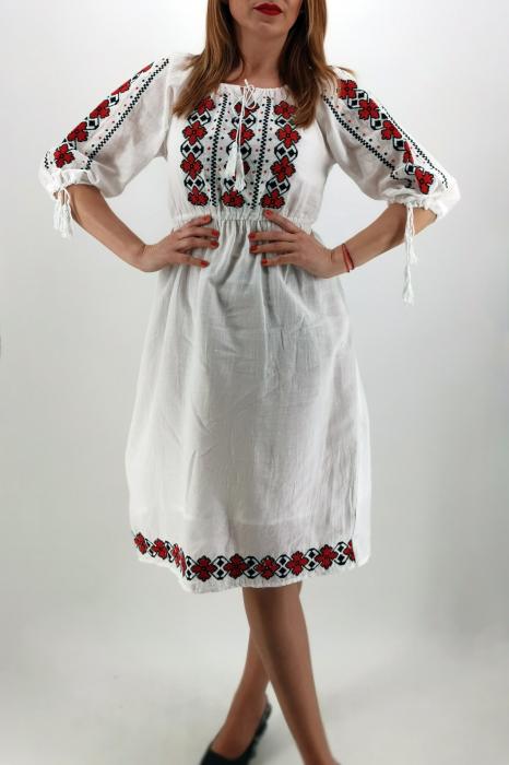 Rochie Traditionala Ivana 3