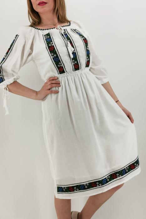 Rochie Traditionala Iasmina 3