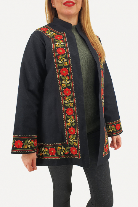 Sacou/Pardesiu brodat cu motive traditionale 3 5