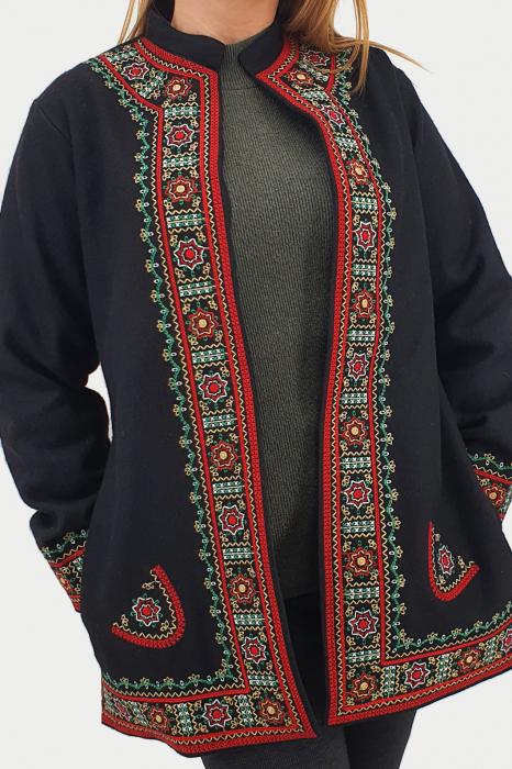 Sacou/Pardesiu brodat cu motive traditionale 4 3