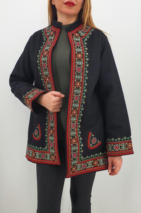 Sacou/Pardesiu brodat cu motive traditionale 4 1