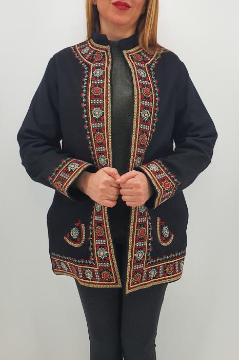 Sacou/Pardesiu brodat cu motive traditionale 5 3