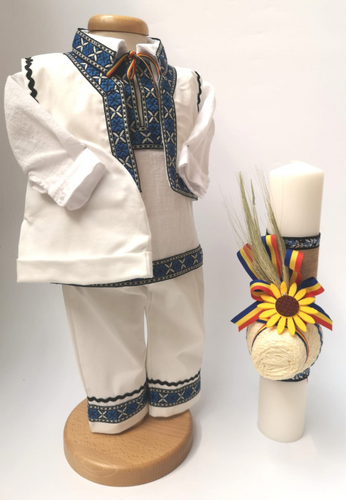 Set Traditional Botez - Costumas baiat/Lumanare baiat  Ludovic 0