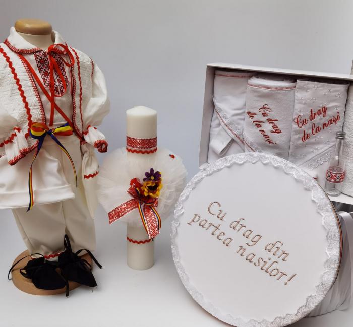 Set Traditional Botez - Costumas baietel Trusou Cutie pentru trusou Lumanare