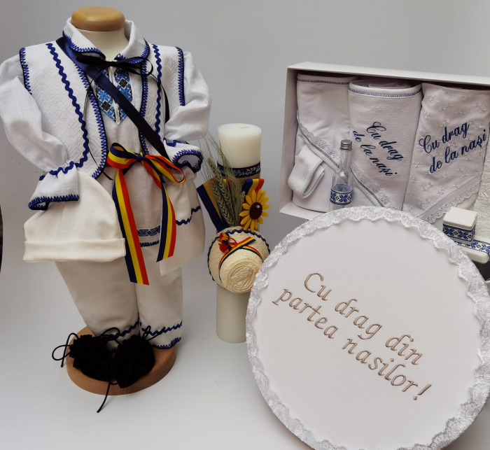 Set Traditional Botez - Costumas baietel/Trusou/Cutie pentru trusou/Lumanare 2 0