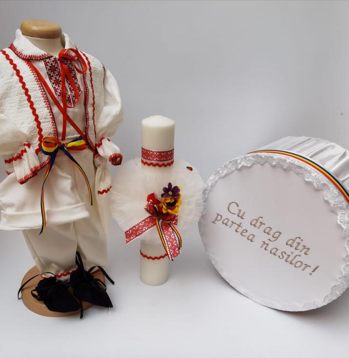 Set Traditional Botez - Costumas baietel/Cutie pentru trusou/Lumanare 0
