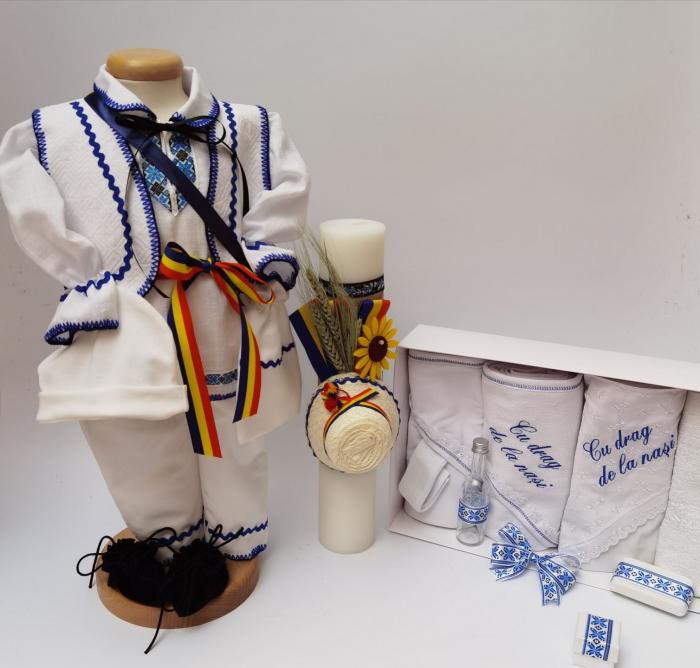 Set Traditional Botez - Costumas baietel Trusou Lumanare 4