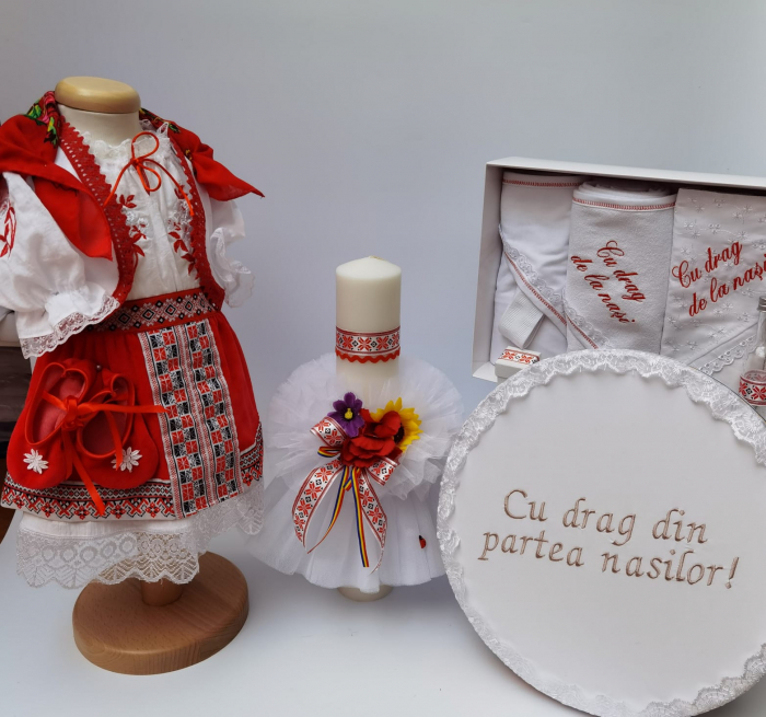 Set Traditional Botez - Costumas fetita/Trusou/Cutie pentru trusou/Lumanare 2 0