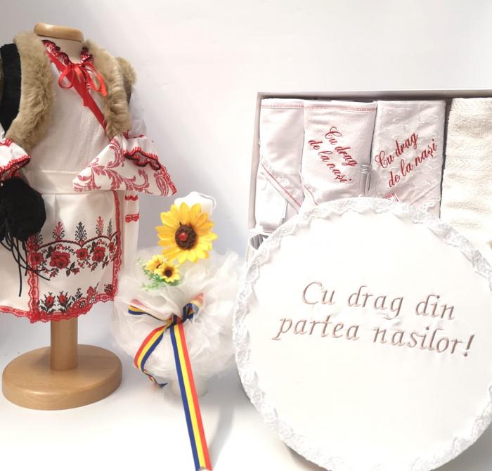Set Traditional Botez  Fetita - Costumas + Trusou + Cutie + Lumanare 3 0