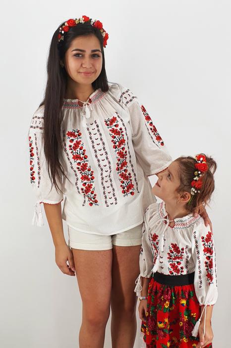 Set Traditional / IE Mama / IE fiica Ermina 1
