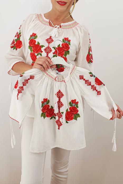 Set Traditional / IE Mama / IE fiica Trandafira 2 0