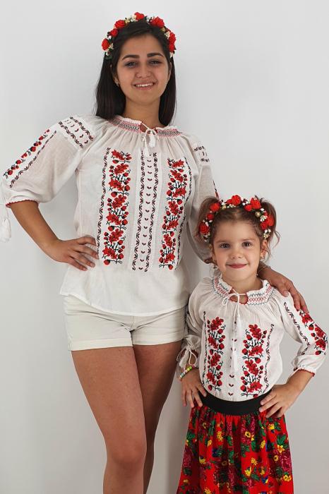 Set Traditional Mama/Tata/fiica 5 0