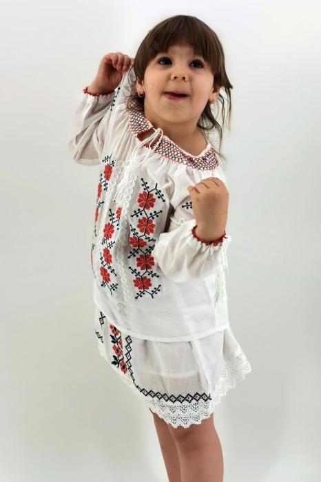 Set Traditional / IE Mama / IE fiica Mioara 4