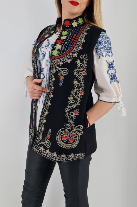 Vesta brodata cu model traditional  Ania 3 2