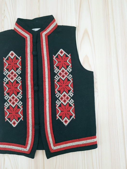 Vesta traditionala baieti Ionel 2