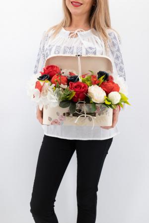 Aranjament floral - Valiza cu Flori - Mare [1]