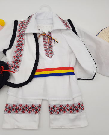 Compleu traditional baietel Adan1