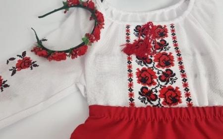 Compleu traditional fetite Alexia2