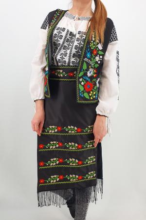 Costum Traditional - Vesta, brau si 2 Fote brodate cu model traditional Iulia0