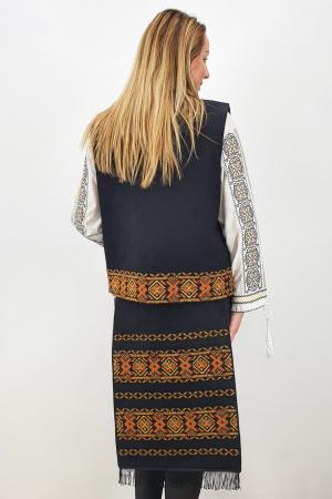 Costum Traditional Vesta si 2 Fote brodate cu model traditional 51
