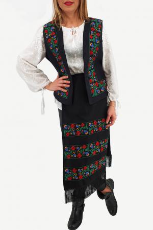 Costum Traditional Vesta si 2 Fote brodate cu model traditional 20