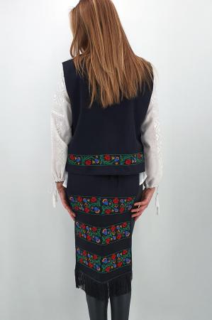Costum Traditional Vesta si 2 Fote brodate cu model traditional 22