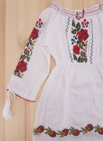 Rochie traditionala fetite Alexandra1