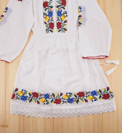 Rochie traditionala fetite Ana2
