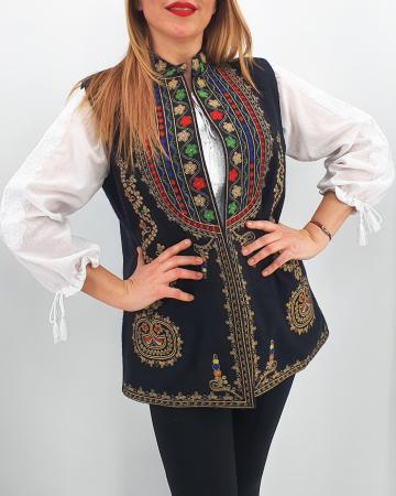 Set Traditional Mama/Tata/fiica/fiu Vesta Traditionala0