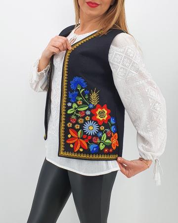 Vesta brodata cu model traditional Angi 30