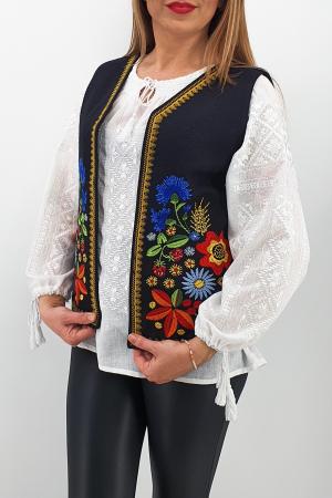 Vesta brodata cu model traditional Angi 32