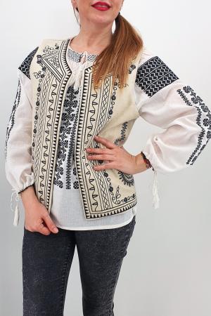 Vesta brodata cu model traditional Angelica0