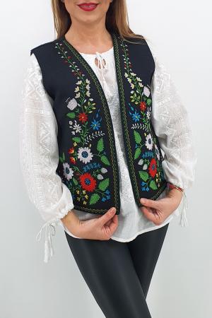 Vesta brodata cu model traditional Angi 40