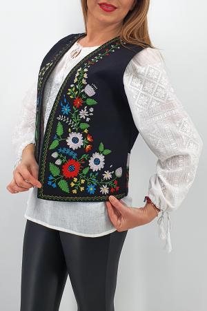 Vesta brodata cu model traditional Angi 41