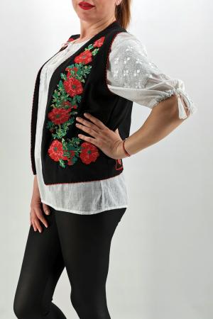 Vesta brodata cu model traditional Cerasela 34