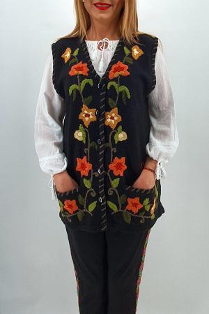 Vesta brodata manual din tricot 23