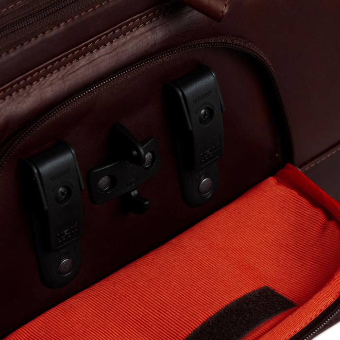 Geanta de laptop din piele naturala, The Chesterfield Brand, Gent 15.6 inch, Maro inchis [4]