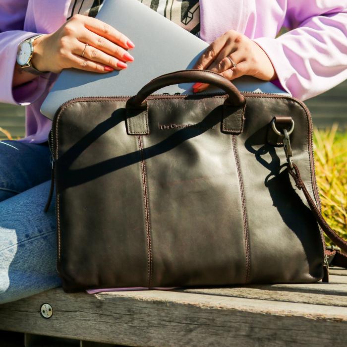 Geanta de laptop din piele naturala, The Chesterfield Brand, Harvey 14 inch, Maro inchis [1]