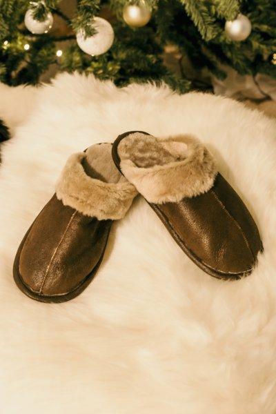 Papuci de casa din blana confortabila naturala maro de miel, model pentru barbati [0]