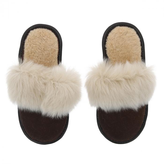 Papuci de casa din blana pufoasa naturala de miel si talpa moale, culoare maro cu bej 1