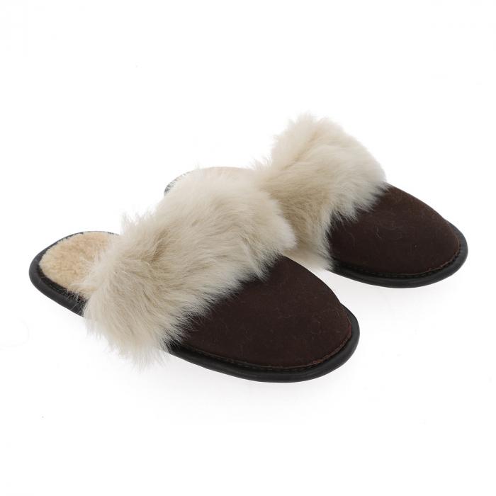 Papuci de casa din blana pufoasa naturala de miel si talpa moale, culoare maro cu bej 0