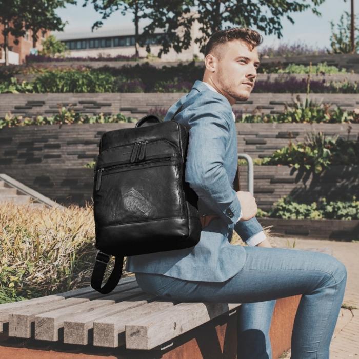 Rucsac pentru laptop de 15,4 inch si tableta de 10,5 inch, The Chesterfield Brand, din piele, model Hayden, Negru [1]