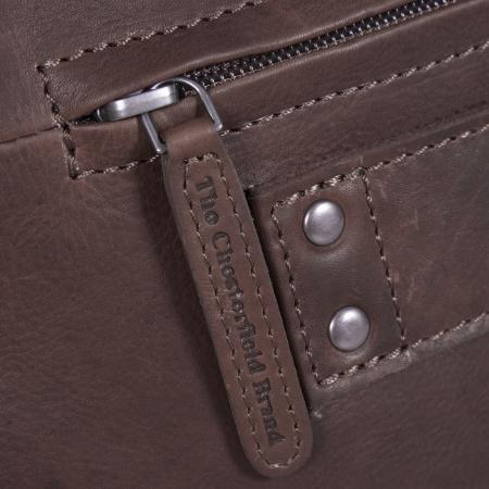Geanta de laptop din piele naturala, The Chesterfield Brand, Ryan 17 inch, Maro inchis [2]
