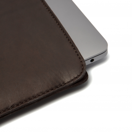 Husa pentru laptop din piele naturala, The Chesterfield Brand, Miami 15 inch, Maro inchis [3]
