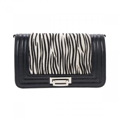 Poseta tip Chanel din piele naturala neagra si model zebra [1]