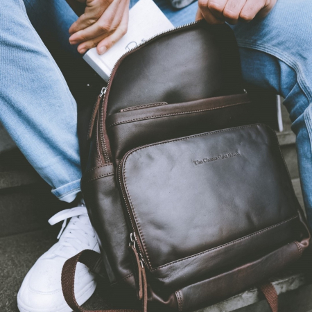 Rucsac pentru laptop de 14 inch si tableta, The Chesterfield Brand, din piele naturala, Austin, Maro inchis [1]